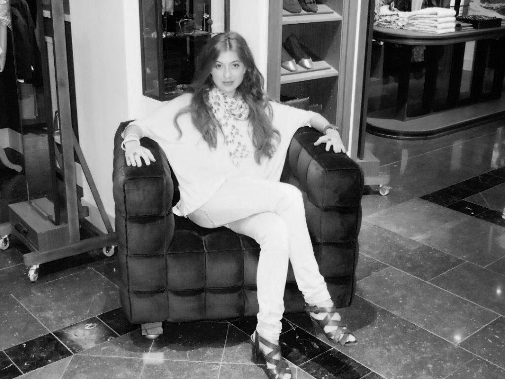 Diana Fraga - Maquillaje y estilismo Visual Merchandising INDITEX